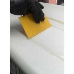 Spatola in plastica per resinatura